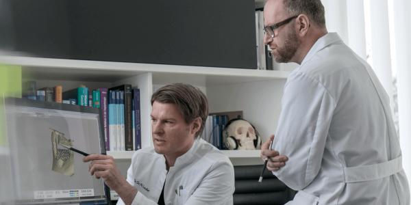 Implantologie 3D-Implantat   groisman & laube